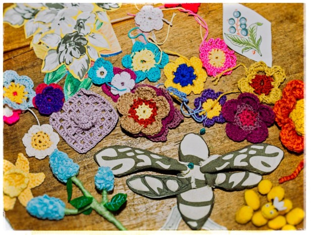 crochet flowers, cotton logo, felt, sewing,