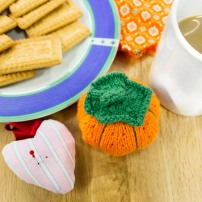 Pin cushions come in all shapes and sizes including this cute pumpkin and love heart - yes lots of coffee and biccies were consumed - you need energy to create!!