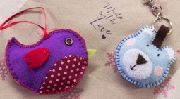 Cute decorations / keyrings made by a stitchee
